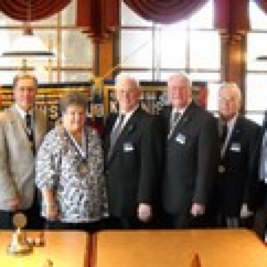 Kiwanis Club installs officers
