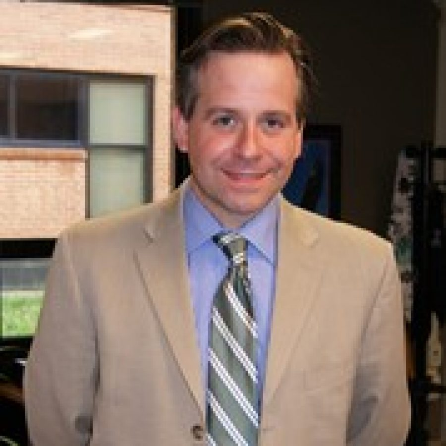 Washington Middle School and Trautwein Elementary School Assistant Principal Patrick Keenoy has been named the 2011-2012 Middle School Assistant Principal of the Year by the St. Louis Association of Secondary School Principals.