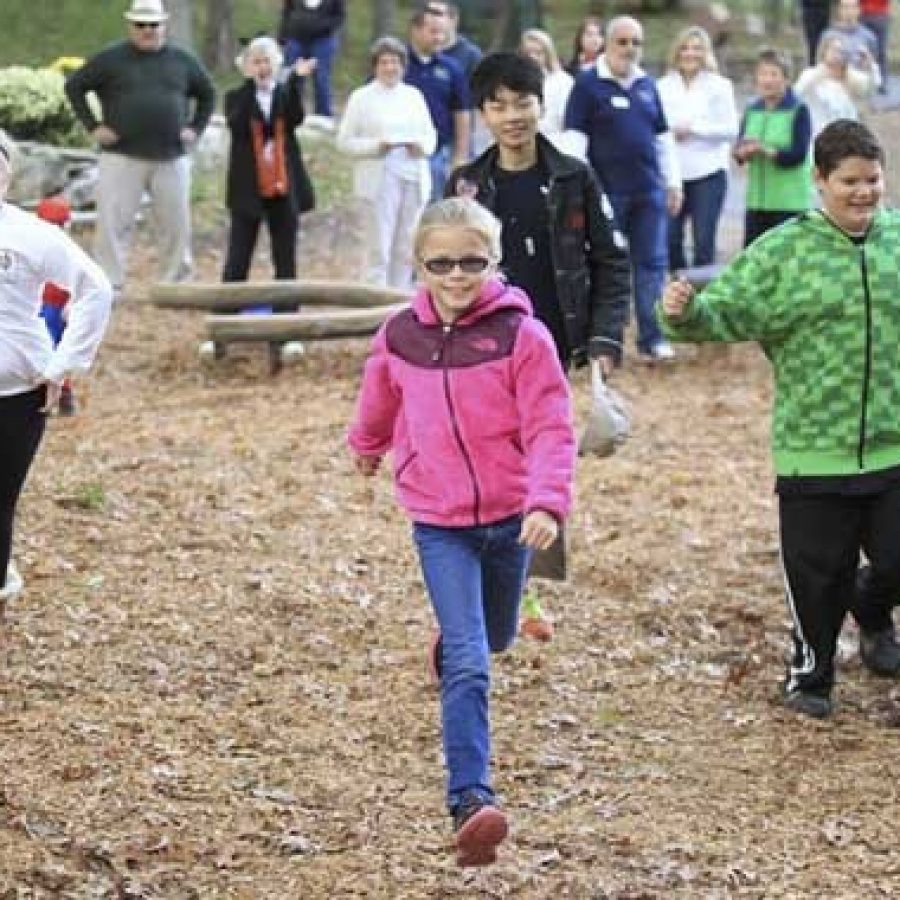 Sunset Hills dedicates new playground