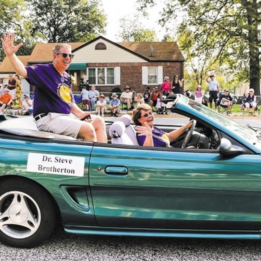 Affton+Superintendent+Steve+Brotherton+appeared+in+the+recent+Affton+Community+Days+parade+as+the+Affton+Chamber+of+Commerce%27s+Business+Person+of+the+Year%2C+in+a+convertible+driven+by+his+wife%2C+Mary.+Bands+and+dance+teams+from+Affton+and+Bayless+high+schools+also+appeared+in+the+parade%2C+which+was+led+by+Grand+Marshal+Phyllis+Smith%2C+a+Lemay+native+who+starred+in+%27The+Office%27+and+%27Inside+Out.%27