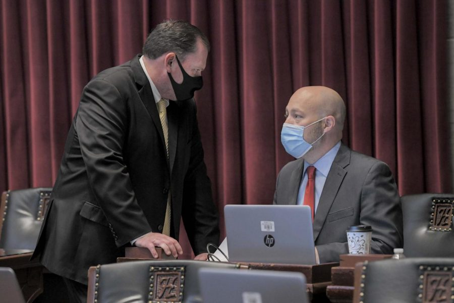 House+Speaker+Rob+Vescovo%2C+R-Arnold%2C+speaks+with+House+Budget+Chairman+Cody+Smith%2C+R-Carthage%2C+during+the+Nov.+10%2C+2020+special+session+%28photo+courtesy+of+Tim+Bommel%2FHouse+Communications%29.