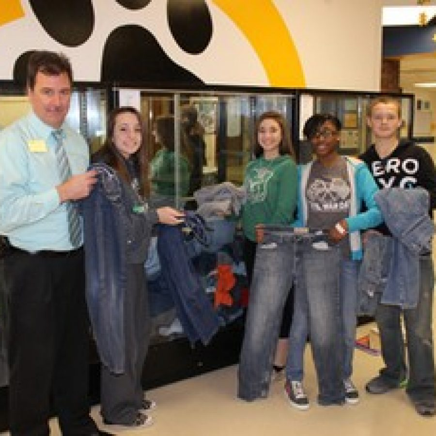 Buerkle participates in 'Jeans for Teens'