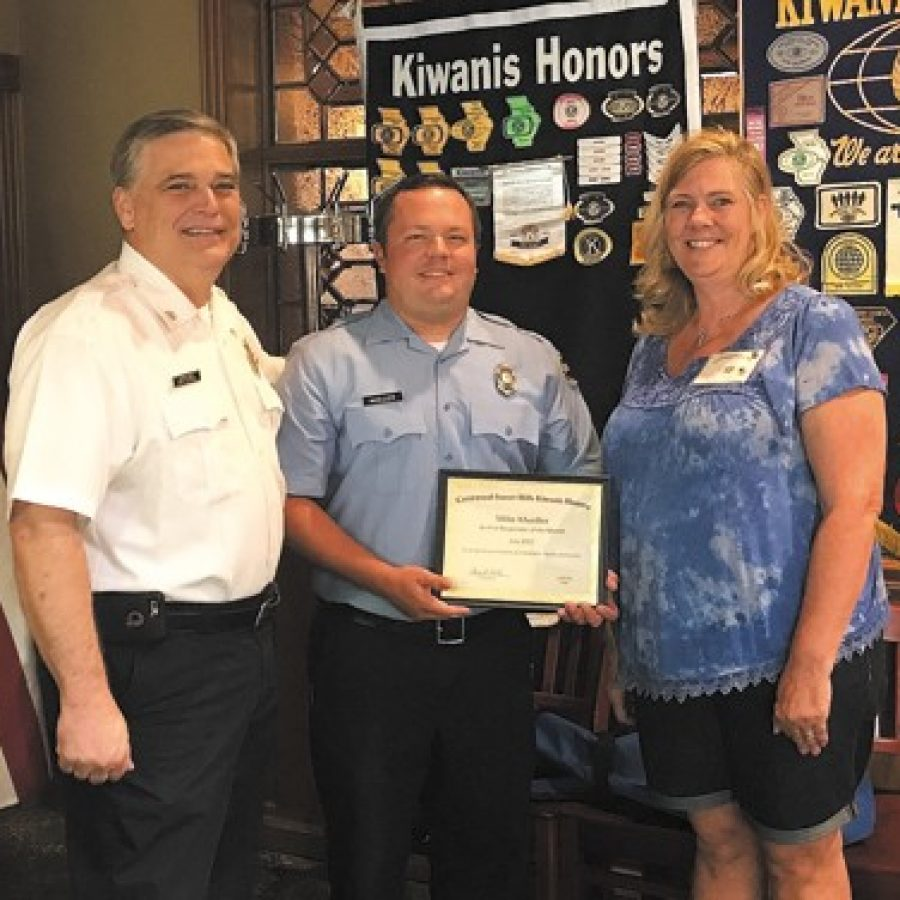 Crestwood-Sunset Hills Kiwanis Club honors MFPD first responder