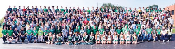 The Mehlville High School Class of 2020 official senior class photo. Photo by Goldbeck Company.