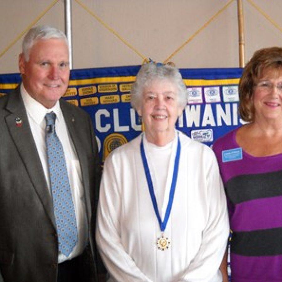 Kiwanis Club of South County installs new president
