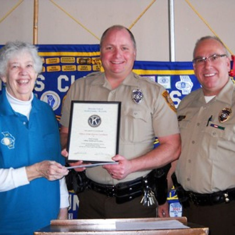 Kiwanis Club of South County honors police officer