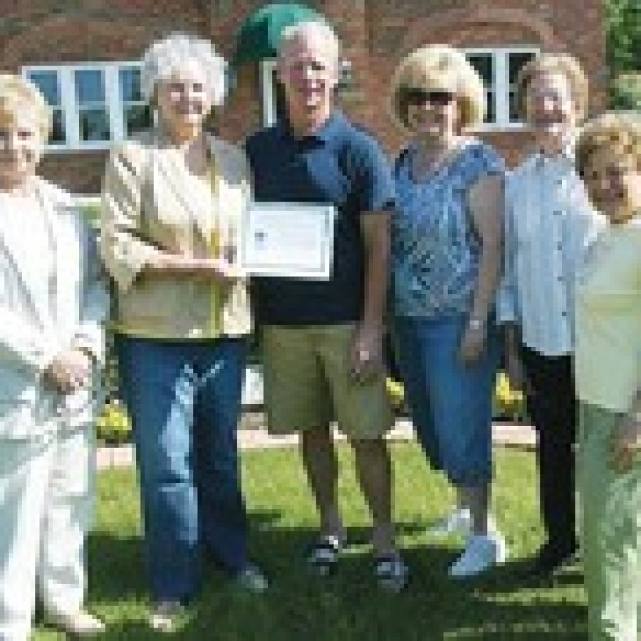 Yard of the Month Award presented