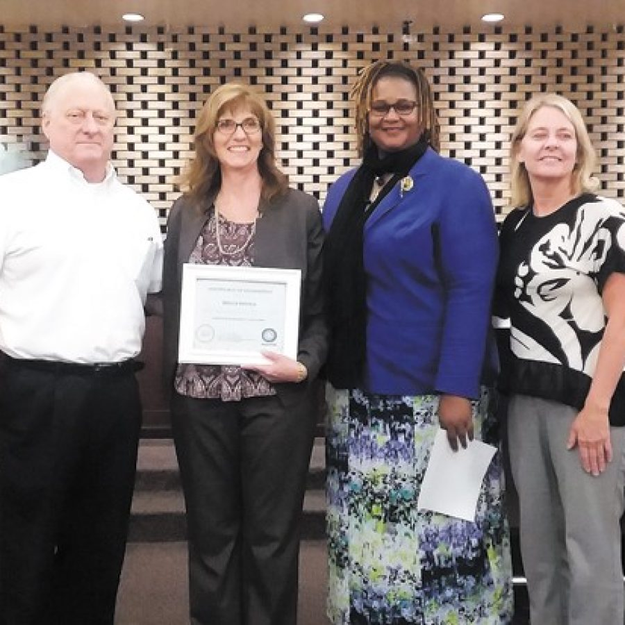 Crestwood city clerk honored