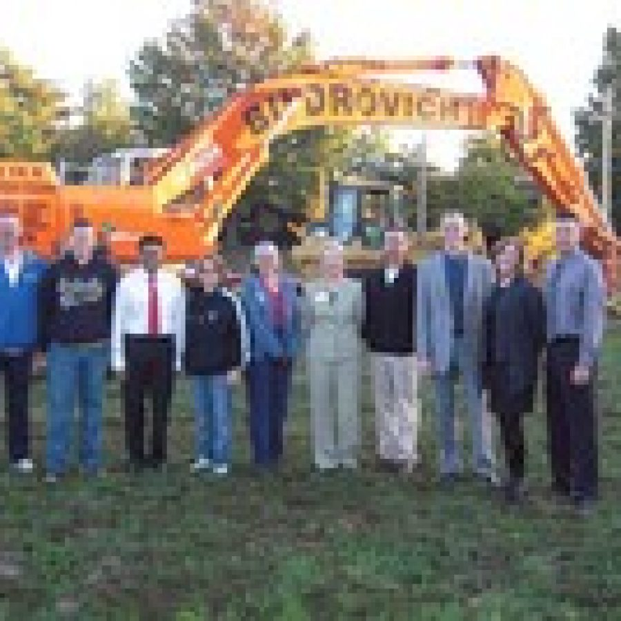 Mehlville breaks ground for new tennis courts