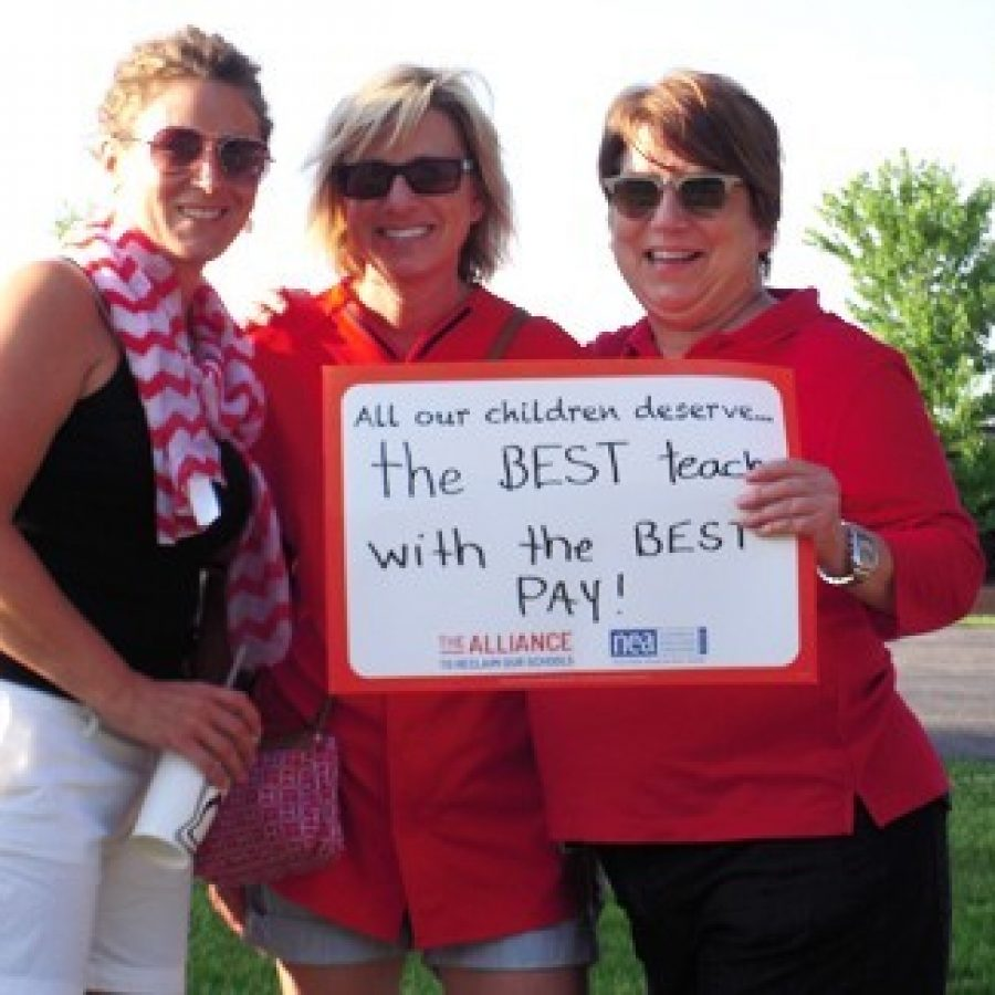 Teachers rally along South Lindbergh Boulevard before the June 14 Lindbergh Board of Education meeting. Photo by Mike Anthony.