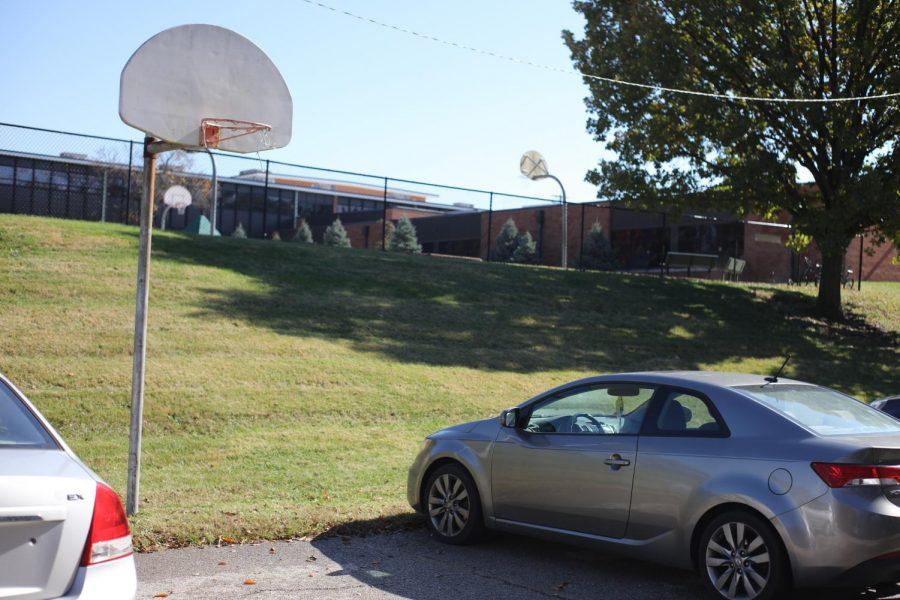 A+basketball+hoop+at+Crestwood+Park.+