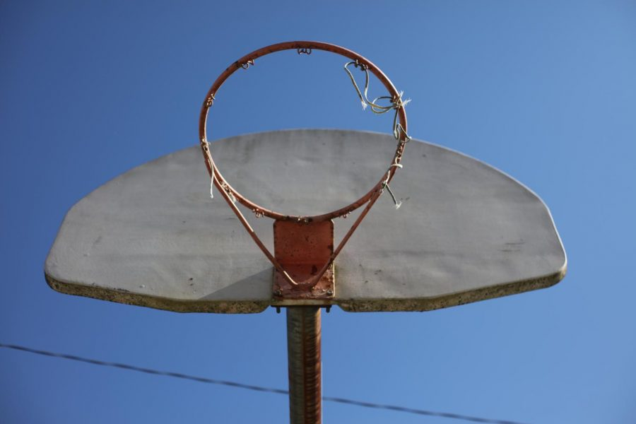 A+basketball+hoop+at+Crestwood+Park.+