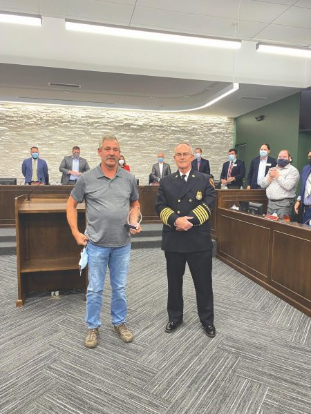 Crestwood Fire bestows Honorable Effort award to citizen