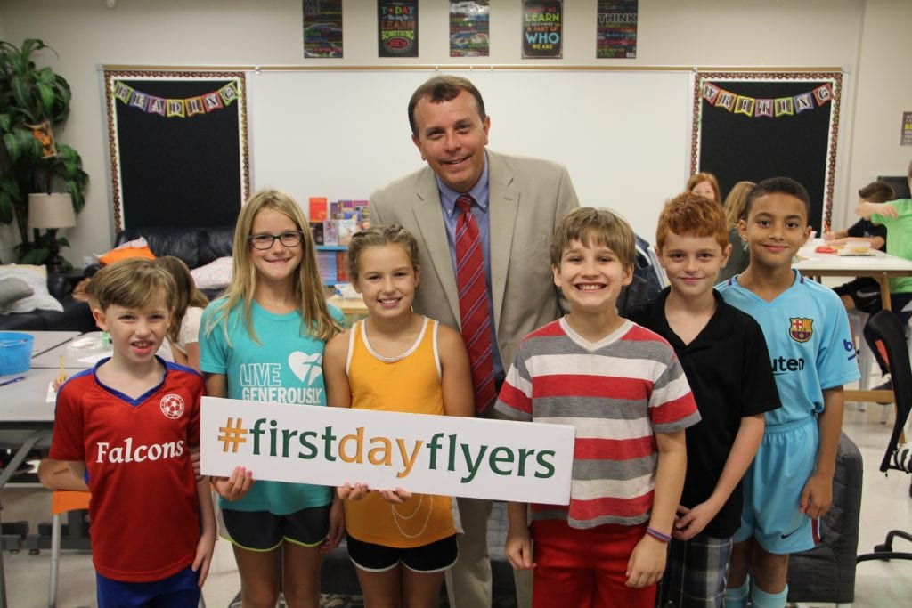 New+Lindbergh+Superintendent+Tony+Lake+checks+in+with+fourth-graders+at+Long+Elementary+School+on+the+first+day.