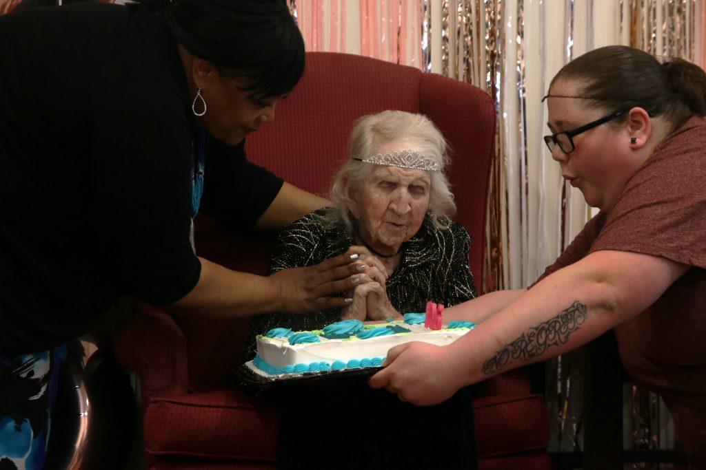 Sunset+Hills+resident+celebrates+106th+birthday