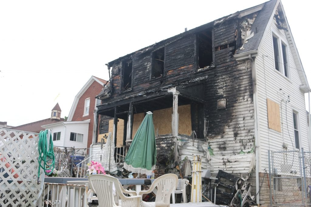 Firefighters+injured+fighting+house+fire