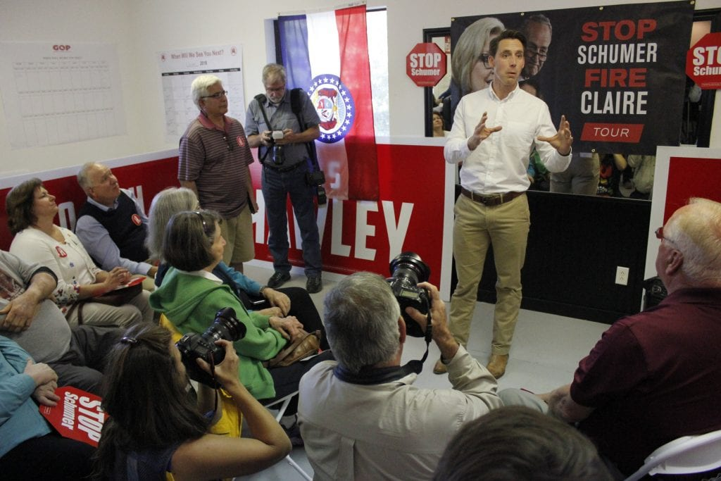 Then-Senate+candidate+and+now+Sen.+Josh+Hawley+speaks+at+a+campaign+stop+in+Ballwin%2C+Missouri%2C+on+Tuesday%2C+Oct.+23%2C+2018.+Hawley+defeated+incumbent+Sen.+Claire+McCaskill+in+November+2018%2C+receiving+51.43+percent+of+the+vote+compared+to+McCaskill%E2%80%99s+45.47+percent.+Photos+by+Erin+Achenbach.+