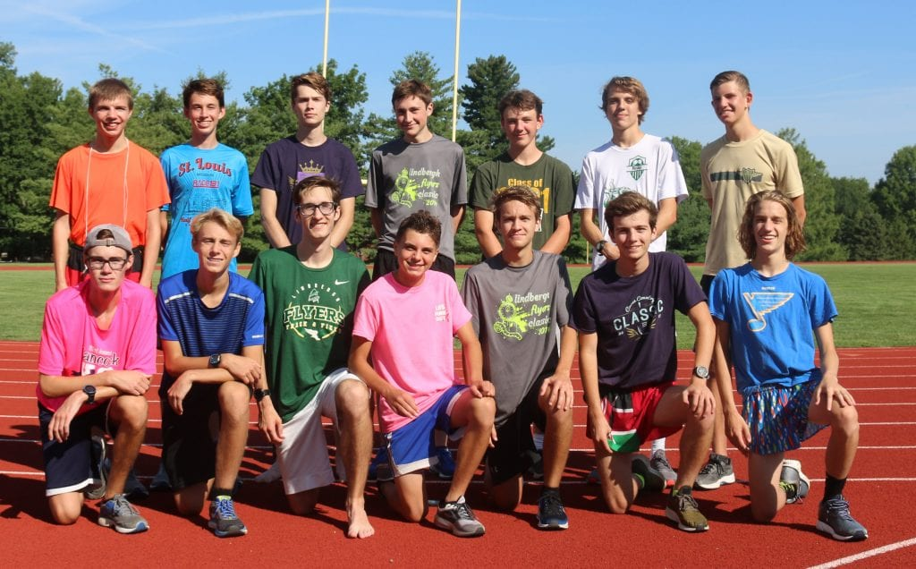 Lindbergh+High+head+coach+Jim+Petersen+is+optimistic+about+his+2018+boys%E2%80%99+cross+country+team+since+he+lost+only+one+runner+to+graduation.+Photos+by+Jessica+Belle+Kramer.