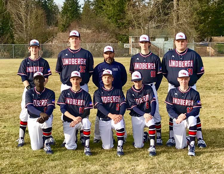 Pictured+above%3A+The+2019+Lindbergh+Varsity+Baseball+team.+Image+courtesy+of+Lindbergh+Baseball.+
