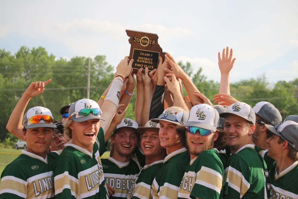 Gallery%3A+Lindbergh+baseball+dominates+the+district+championship