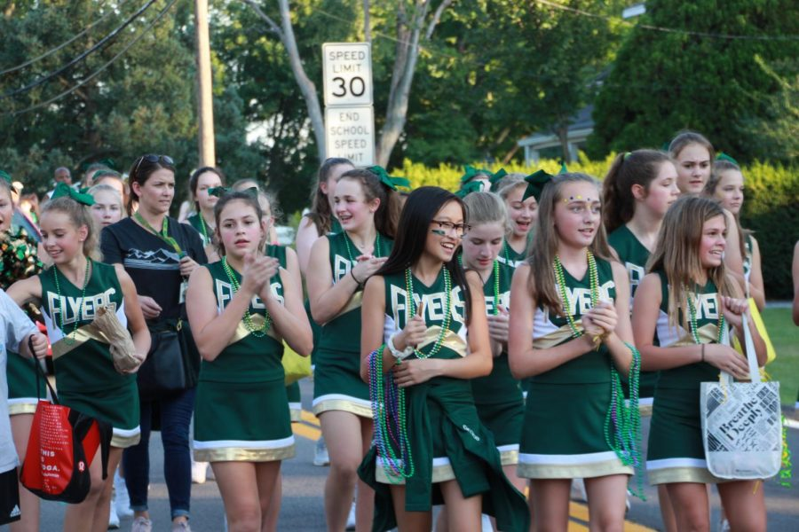 Students%2C+parents%2C+staff%2C+alumni+and+community+members+showed+their+love+for+green+and+gold+at+the+Lindbergh+homecoming+parade+on+Sept.+20%2C+2018.+