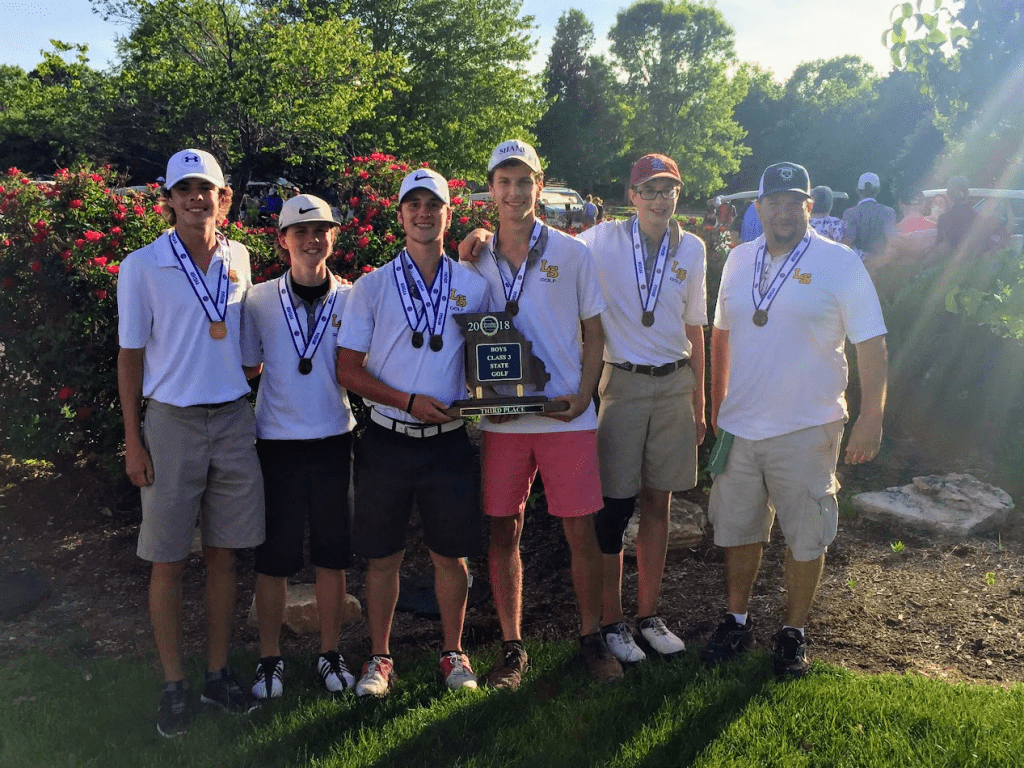The+Lutheran+South+golf+team+with+their+third-place+state+trophy+last+month.
