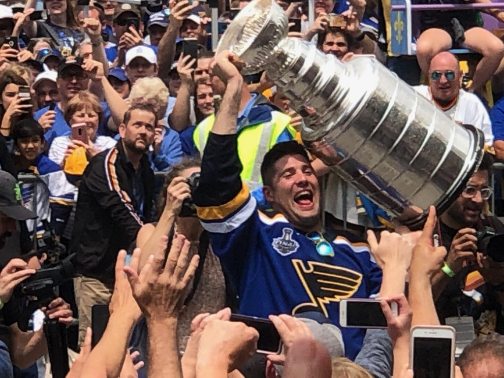 Former+St.+Louis+Blues+left+wing+and+South+County+native+Pat+Maroon+celebrates+with+fans+along+the+Stanley+Cup+Parade+route+in+downtown+St.+Louis+Saturday%2C+June+15%2C+2019.+Photo+by+Erin+Achenbach.+