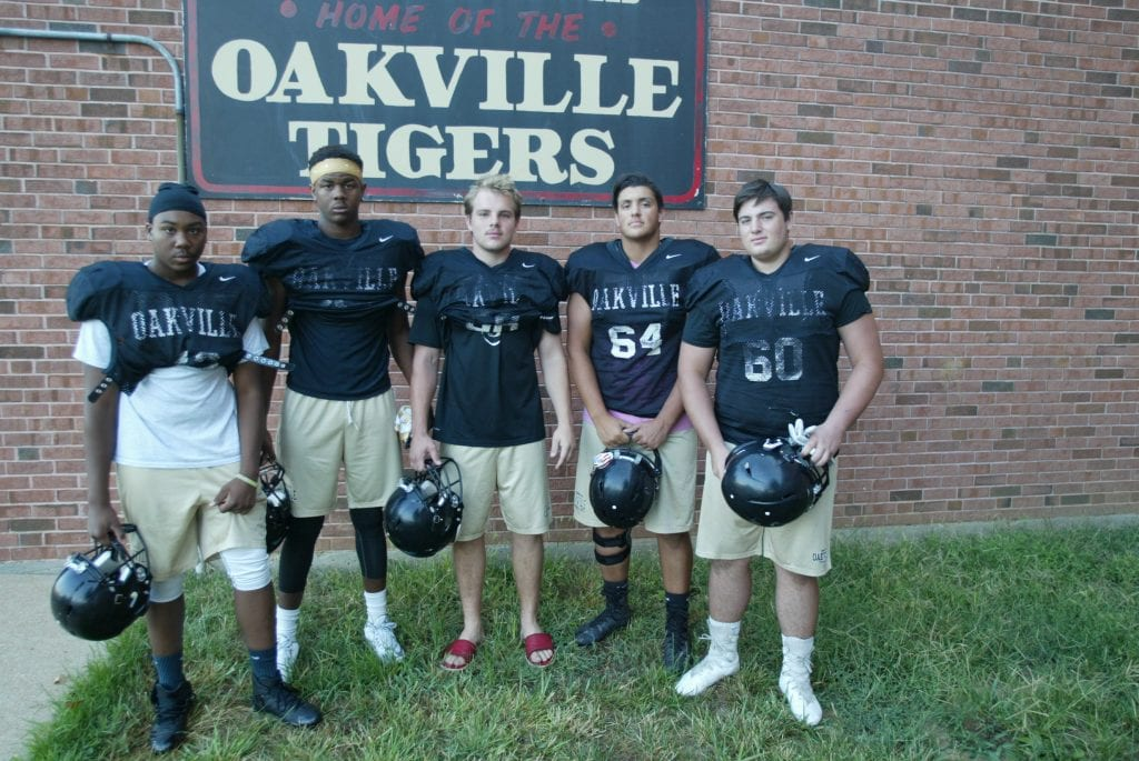 Oakville+High+football+team+looking+to+capitalize+on+2016%E2%80%99s+strong+finish