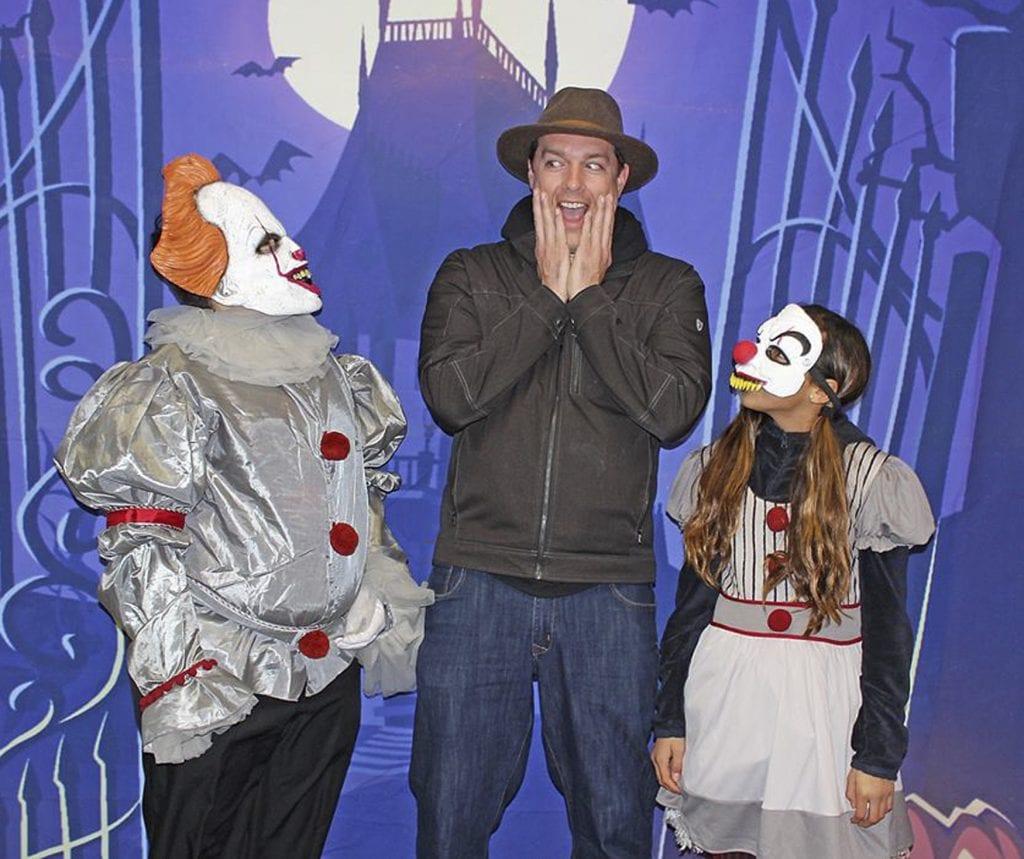 Oakville+Elementary+gets+into+Halloween+spirit