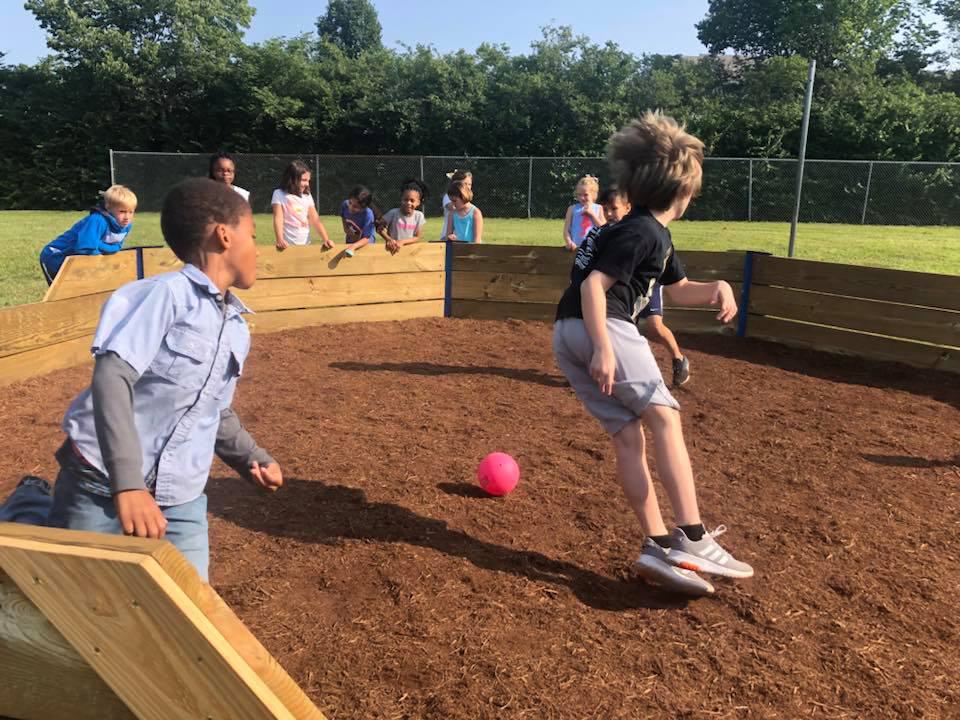 Boy+Scouts+build+Blades+a+new+gaga-ball+pit