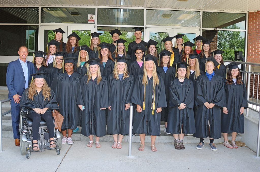 Rogers+graduates+return