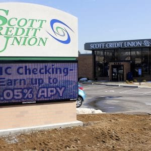Pictured above: Scott Credit Union in Crestwood uses an electronic messaging sign. Photo by Erin Achenbach.