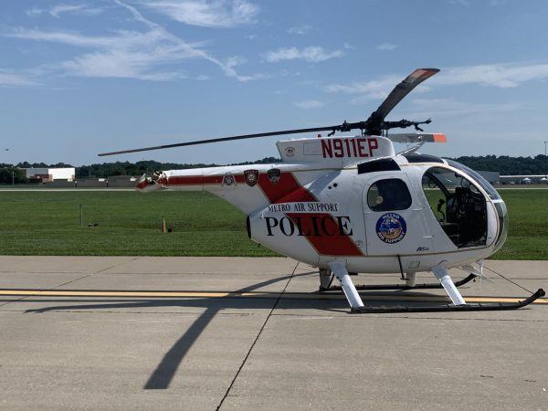 The helicopter is shown with its tail rotor missing, after it broke off mid-flight.