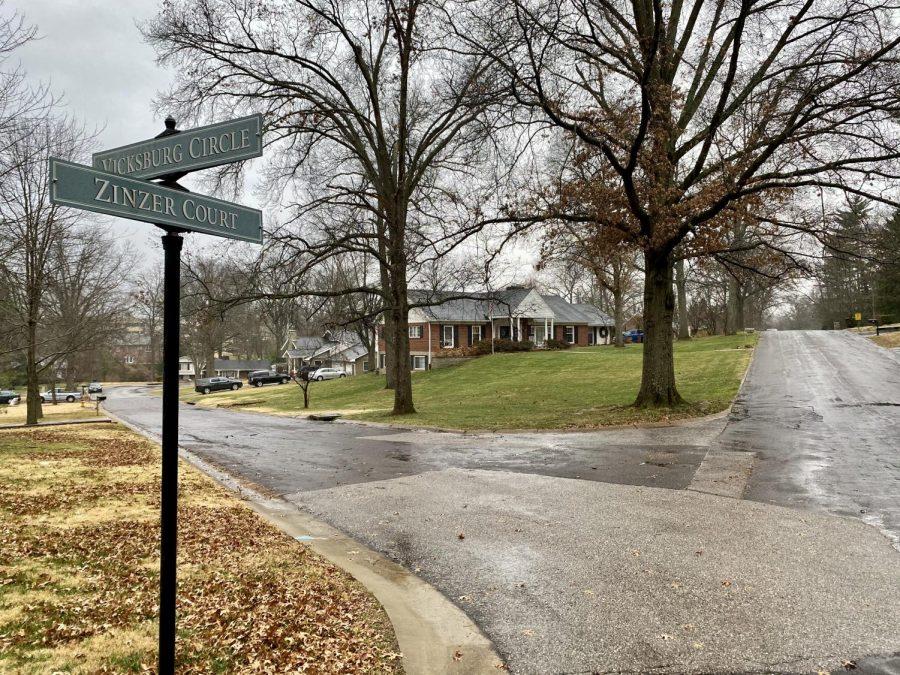 Zinzer+Court+and+Vicksburg+Circle+in+Grantwood+Village.+