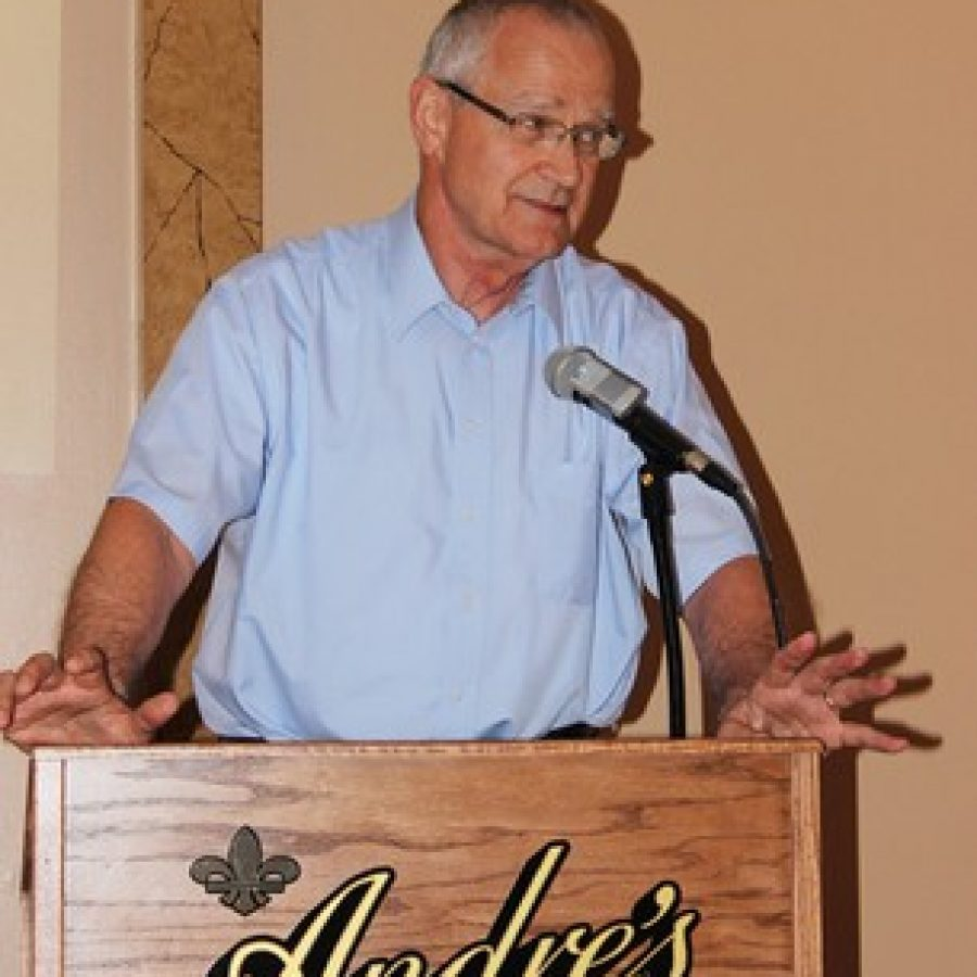 Interim Mehlville Superintendent Norm Ridder addresses the crowd at Andre's last week.