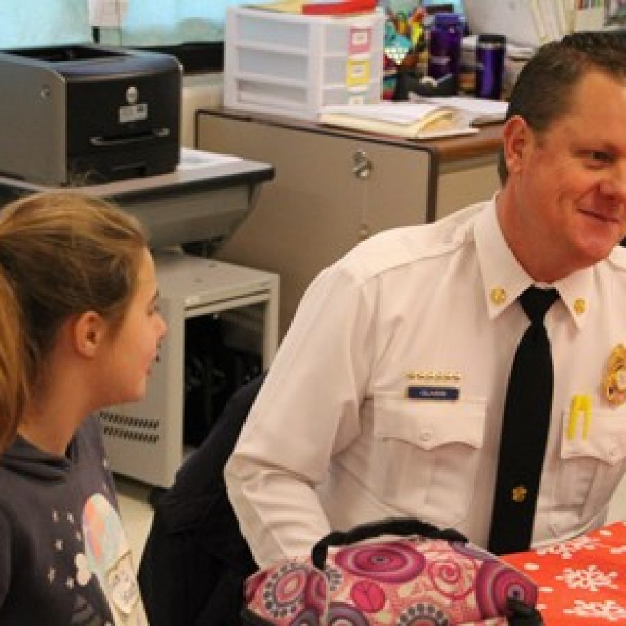 Long students honor first responders