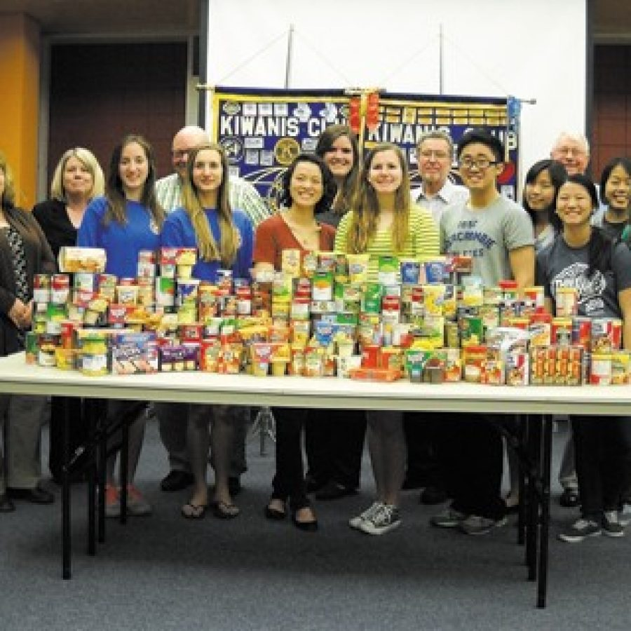 Kiwanis, Key clubs collect canned goods
