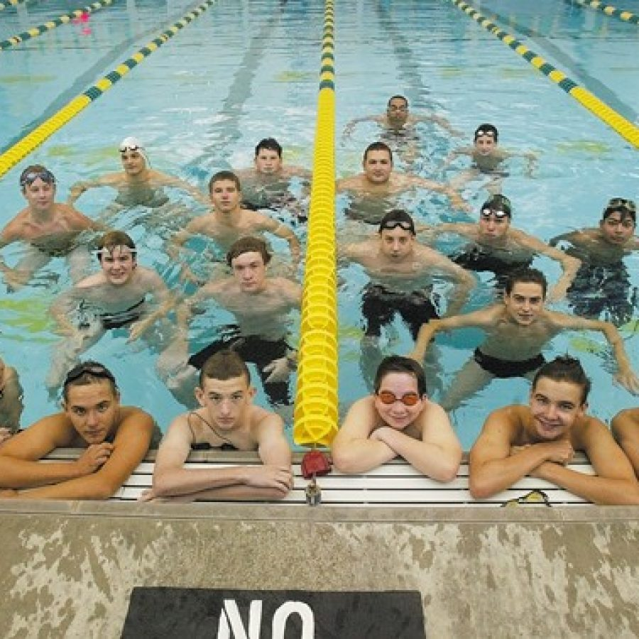 Lindbergh High coach Tim Lombardo says his 2015 swimming and diving squad features a strong mix of returning swimmers and promising newcomers.
