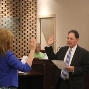 Kennedy takes office as Crestwood's new mayor