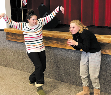 Two Oakville students take first at invitational