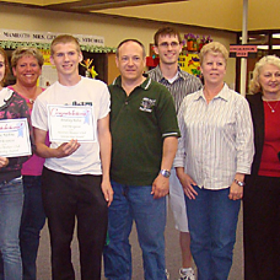 Mothers Club awards scholarships