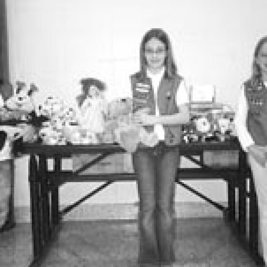 Scouts donate items to Grace Hill
