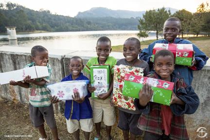 shoebox distribution at Mulunguzi Dam in Zomba, Malawi