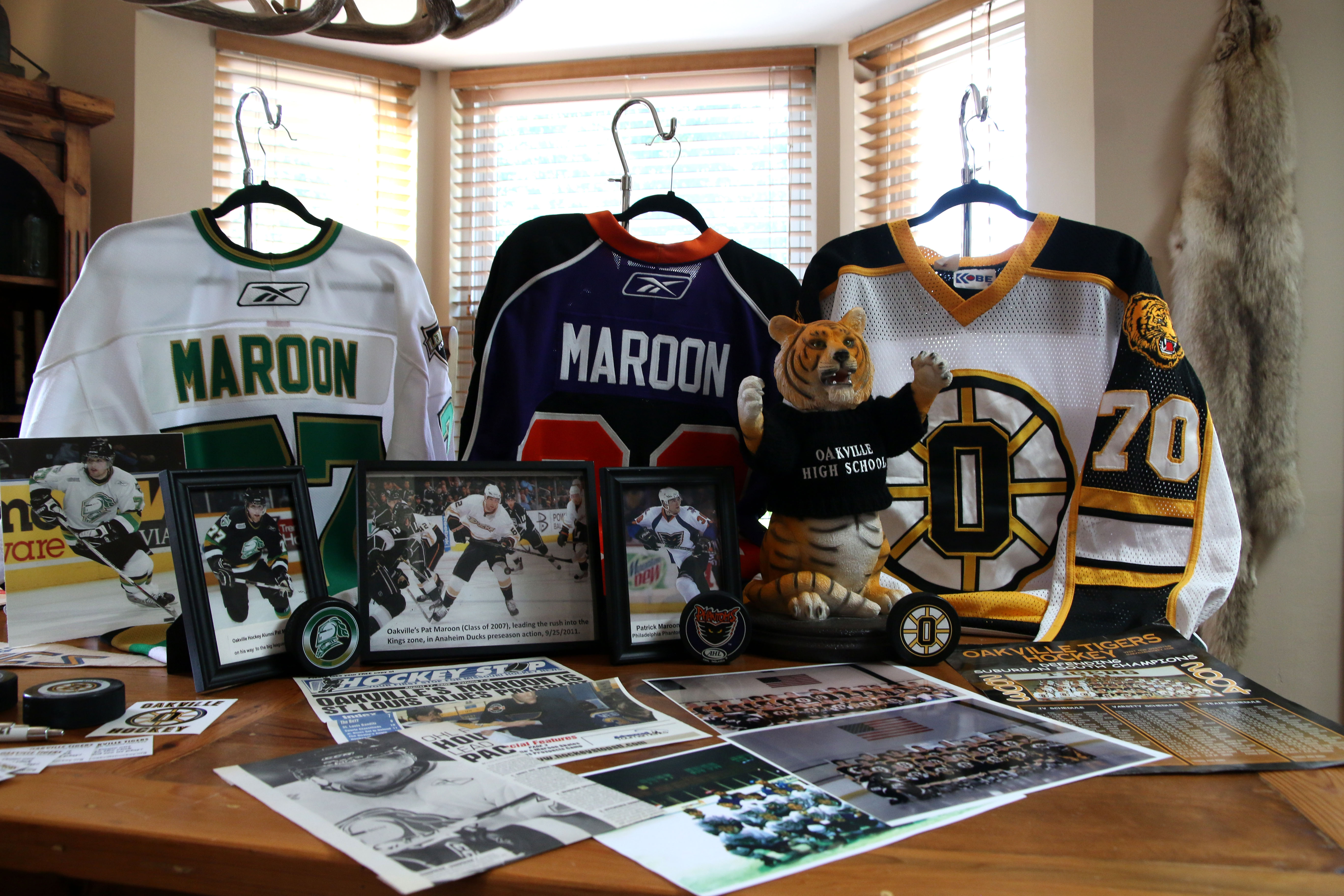 cheaper 09b97 80f85 Pat Maroon started as Oakville's hockey star - Call Newspapers