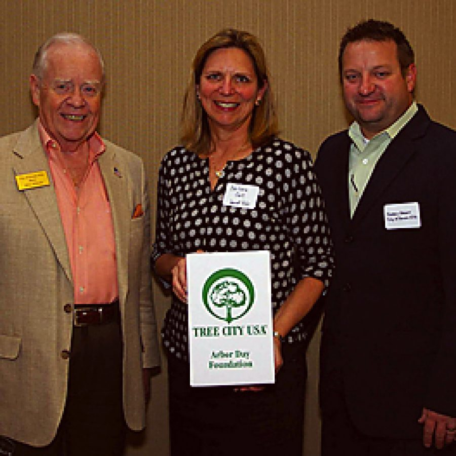 Sunset Hills receives Tree City USA distinction